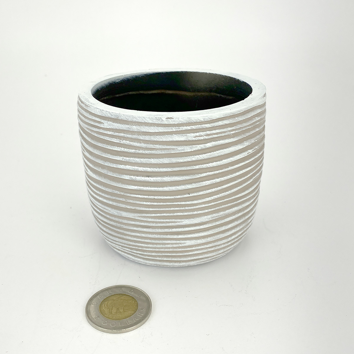 Capi Ribbed Ivory Planter Ball Indoor Pot 10x9