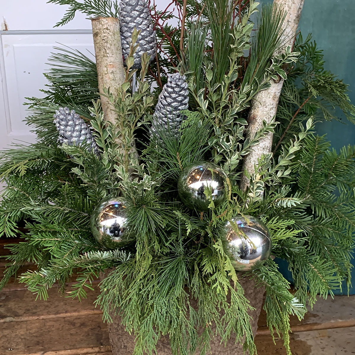 12 Inch Glitter Winter Porch Pot Silver